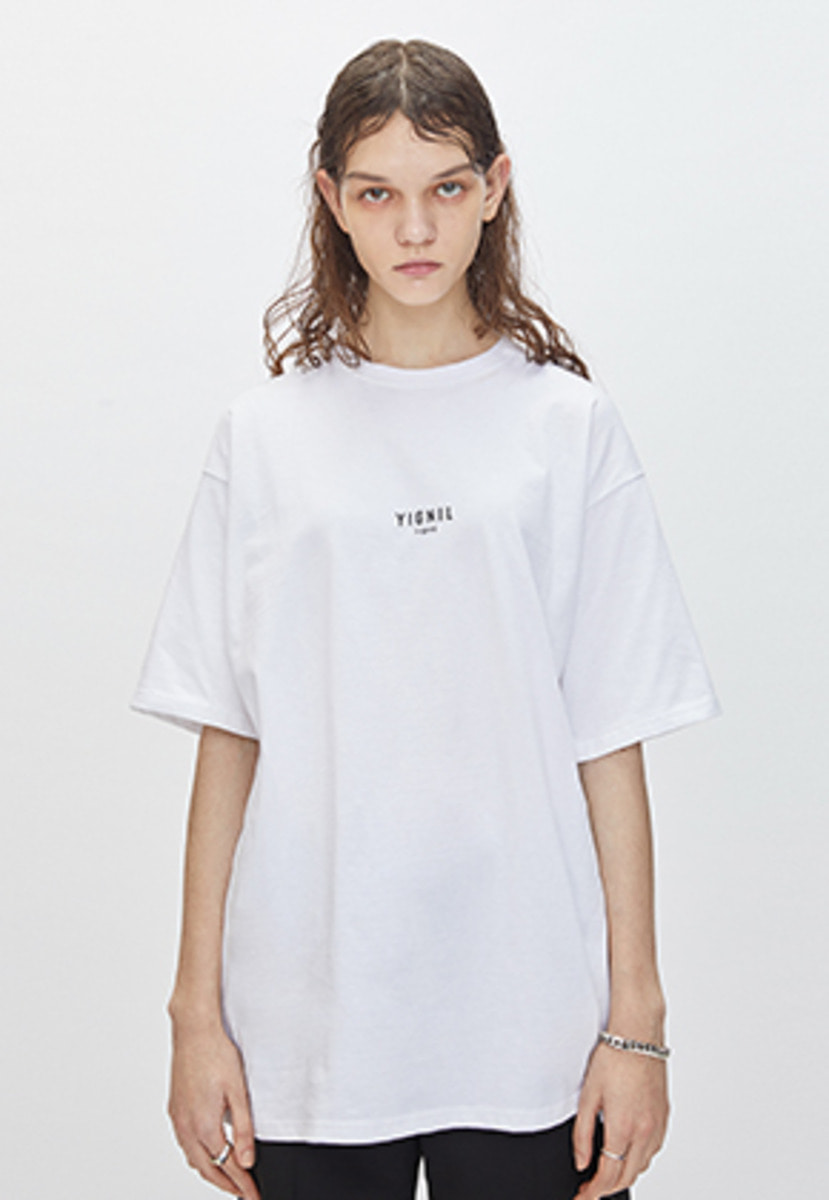 YIGNIL이그닐 White Signature 'NAME TAG' T-Shirt