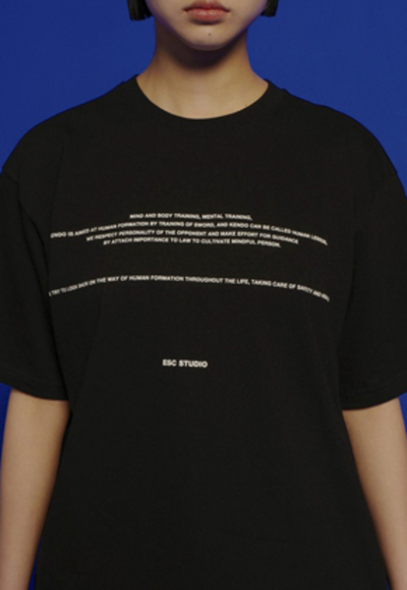 ESC Studio이에스씨스튜디오 Back Zipper T-shirt (Black)
