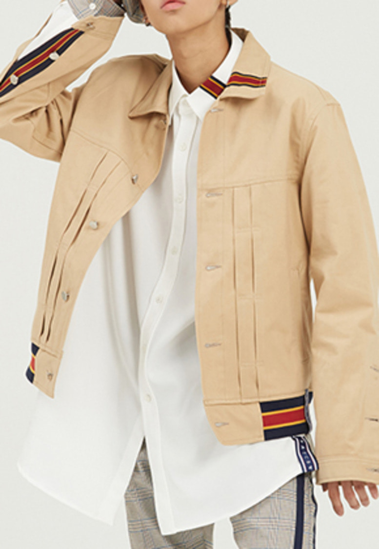 Romantic Crown로맨틱크라운 Color Tape Trucker Jacket_Beige