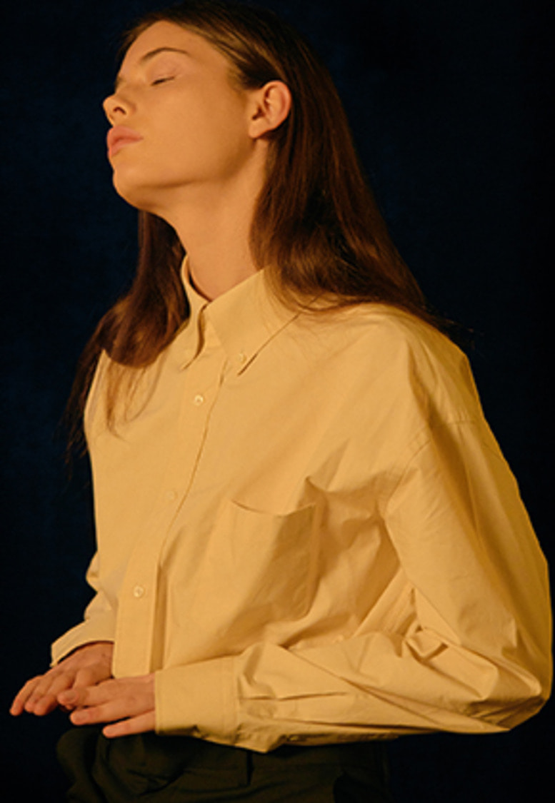 YIGNIL이그닐 BEIGE OVERSIZED BUTTON-DOWN SHIRT (W)