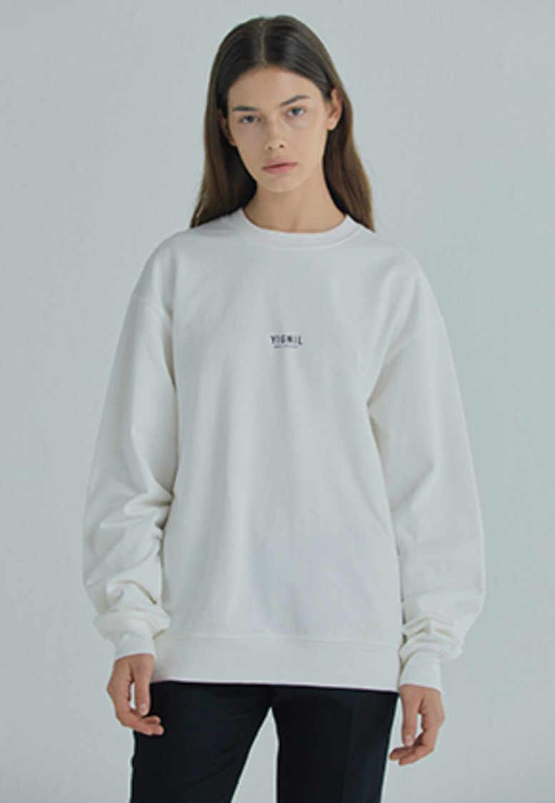 YIGNIL이그닐 White Signature 'NAME-TAG' Sweatshirt (W)
