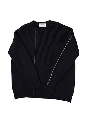MUTEMENT뮤트먼트 black DV wool knit