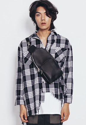 Maedaryuto마에다류토 MaedaRyuto Logo Button Belt Bag