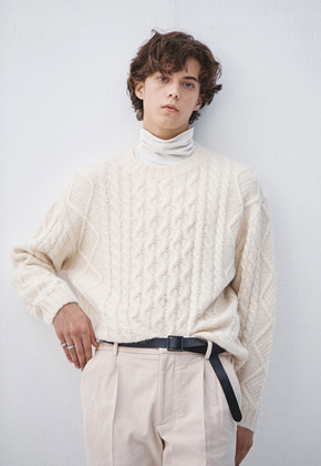 Haleine알렌느 CREAM alpaca cable knit (KT010)