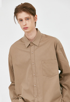 Voiebit브아빗 V457 MINIMAL POCKET OVERFIT SHIRTS  DARK BEIGE