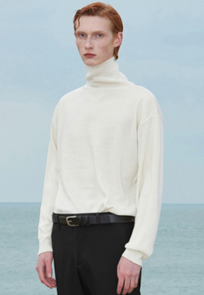 Voiebit브아빗 V574 BASIC OVERSIZE TURTLENECK KNITSCREAM