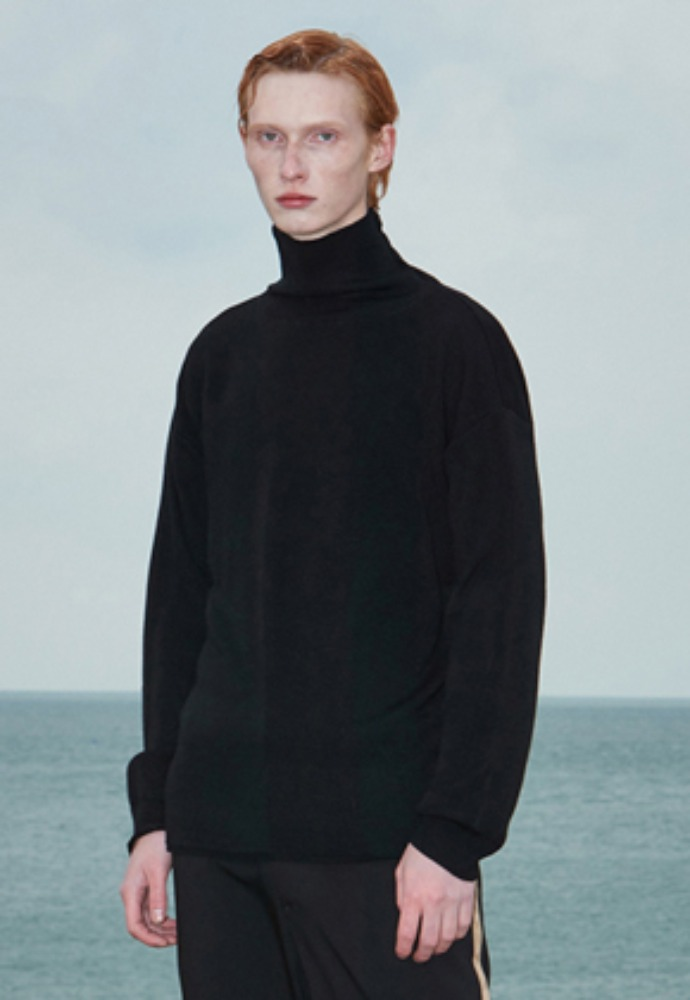 Voiebit브아빗 V574 BASIC OVERSIZE TURTLENECK KNITS BLACK