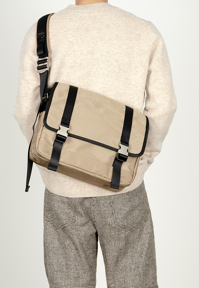 HAH ARCHIVE하 아카이브 2BUCKLE BEIGE NYLON SHOULDER MESSANGER BAG