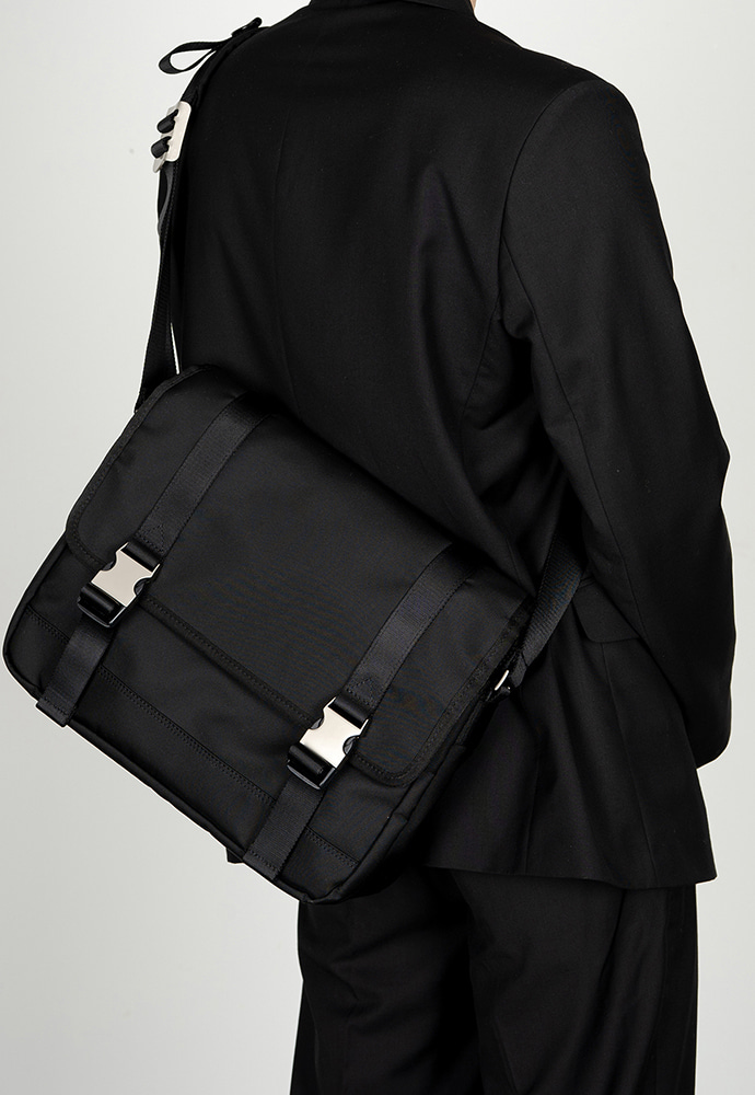 HAH ARCHIVE하 아카이브 [1차 예약배송 3/13] 2BUCKLE BLACK NYLON SHOULDER MESSANGER BAG