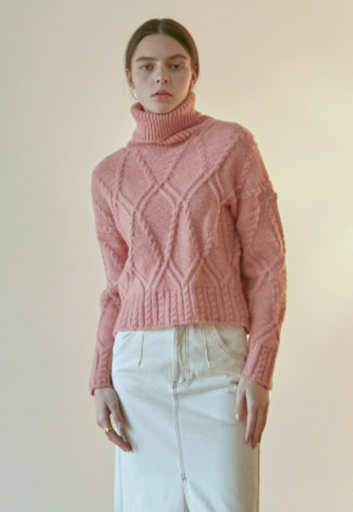 Nicknnicole닉앤니콜 CABLE CROP TURTLE KNIT_PINK