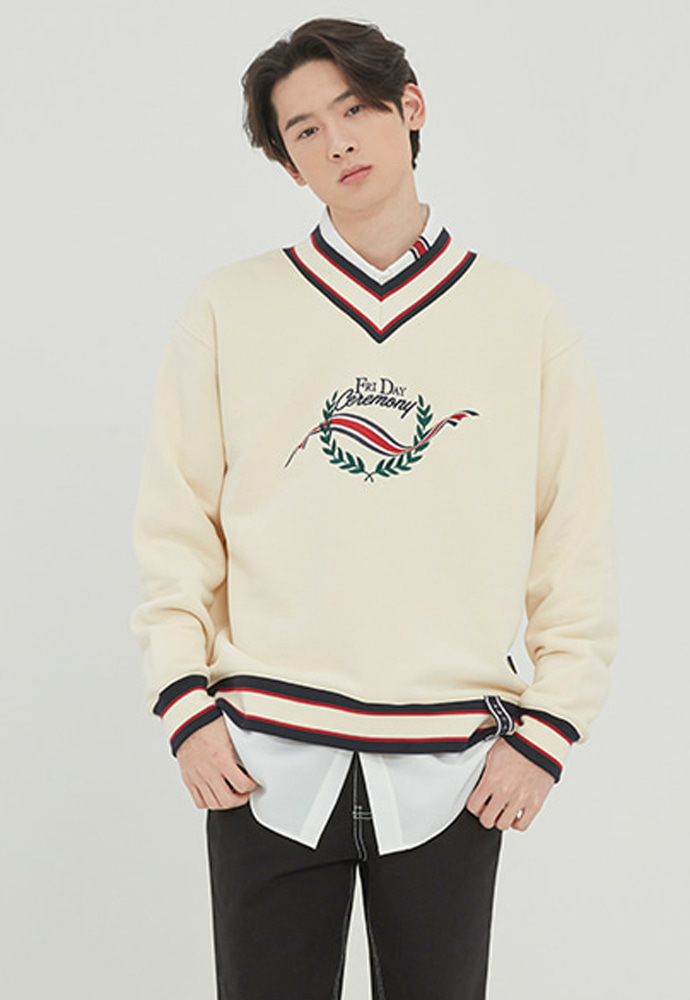 Romantic Crown로맨틱크라운 FRIDAY V NECK CREW NECK_OATMEAL