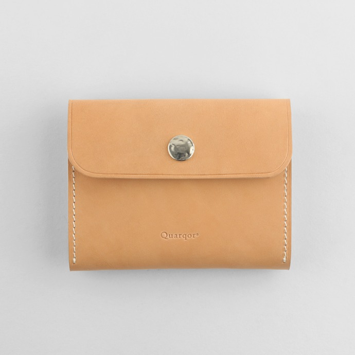 Quarqor쿼르코어 DANIEL BUTTON WALLET_Natural